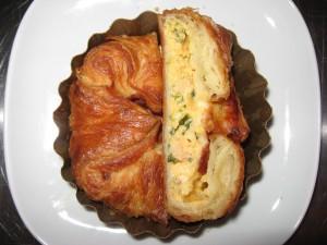 Bukë me vezë dhe spinaq