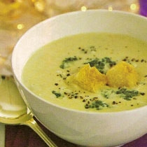 Supë me brokoli dhe djathë