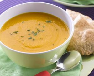 Supe me karrota dhe portokall