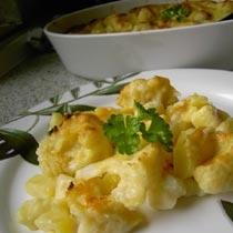 Tavë më patate e lulelakër