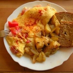Vezë me patate dhe speca të kuq